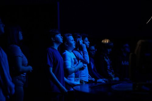 Students worshiping at Ignite Church Radiate Youth Ministry