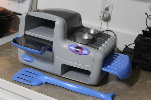 2002 Hasbro Easy Bake Real Meal Oven