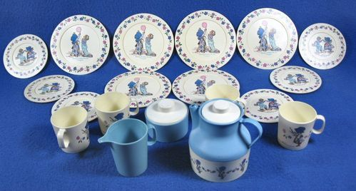 Vintage 1984 Holly Hobbie Plastic Chilton 54220 Tea Set