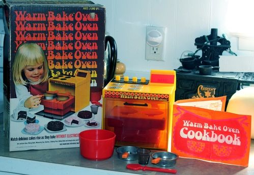 1973 Kenner Warm Bake Oven