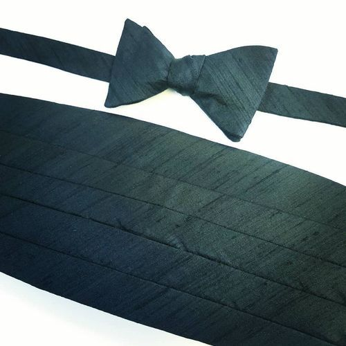 black bow tie and cummerbund set