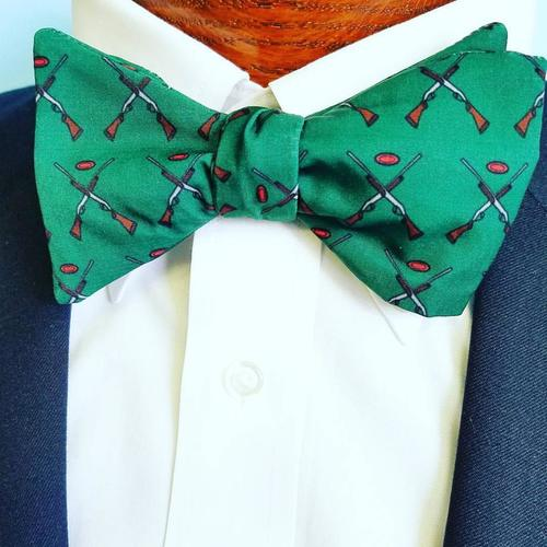 guns and skeet bow tie