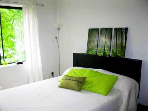 Vol apt bedroom