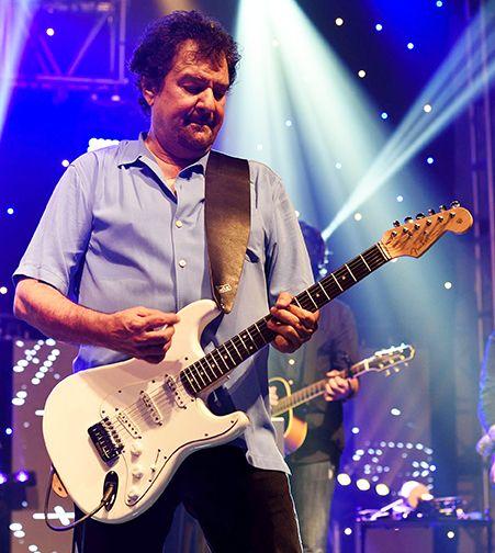 artists who use babicz guitars